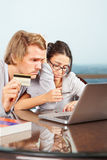 财务的夫妇有问题 免版税库存图片