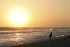 巴厘岛海滩kuta日落 免版税库存照片