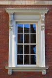 维多利亚女王时代的著名人物外部视窗 图库摄影
