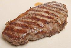 水多的牛腰肉排 免版税库存图片