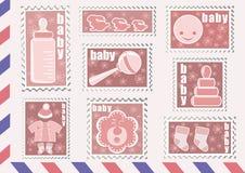 婴孩收集邮票 免版税库存照片