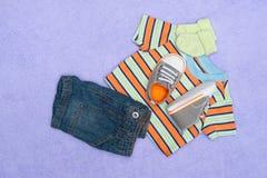 婴孩衣物 库存照片