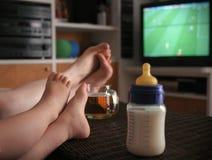 婴孩风扇橄榄球 免版税库存图片