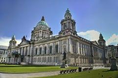 贝尔法斯特市政厅北的爱尔兰 免版税库存照片