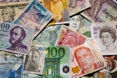 货币纵向 免版税库存图片
