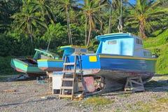 巴布达小船钓鱼 免版税库存图片
