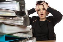 紧张的妇女工作 免版税图库摄影