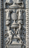 费拉拉,在一个有历史的宫殿的装饰品 库存图片