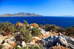 晴朗日希腊的海岛 库存图片