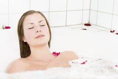 浴治疗喷气机木盆 免版税图库摄影