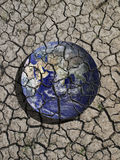 破裂的地球 免版税库存照片