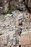 破裂的岩石 库存照片