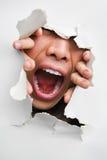 破裂的男性嘴叫喊的墙壁 免版税库存图片