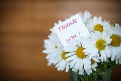戴西美丽的花束  免版税库存照片