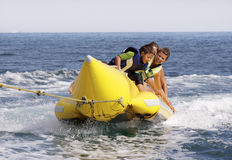 水香蕉香蕉小船。 免版税库存照片