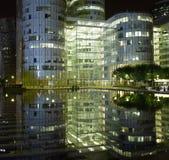 巴黎: 现代结构在晚上 免版税库存图片