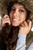 戴头巾青少年的冬天 免版税库存图片