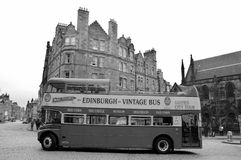 ônibus de excursão do ônibus de dois andares do vintage Foto de Stock Royalty Free