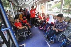 Ônibus para deficientes motores Imagens de Stock