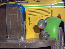 Ônibus velho do curso Fotografia de Stock Royalty Free