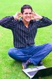 0 λατίνος αρσενικός έφηβος lap-top Στοκ φωτογραφίες με δικαίωμα ελεύθερης χρήσης