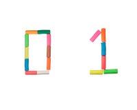0 1个字母表计算彩色塑泥 免版税库存图片