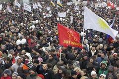 000 100 som avenyn sammanfogar den moscow protesten, samlar sakharov Royaltyfri Foto