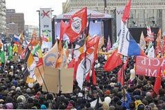 000 100 som avenyn sammanfogar den moscow protesten, samlar sakharov Royaltyfri Bild