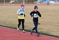 000 5男孩米赛跑未认出的结构 免版税库存照片