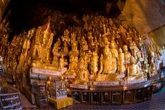 000 8 buddhas выдалбливают pindaya myanmar Стоковая Фотография RF