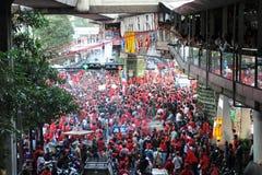 000 9 30 2011年曼谷1月拒付红色衬衣 库存照片