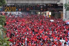000 9 30 2011年曼谷1月拒付红色衬衣 免版税图库摄影