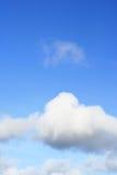 002 blues cloudly niebo Obraz Royalty Free