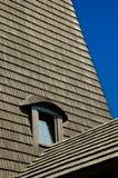 01个屋顶木瓦视窗 免版税库存照片