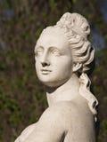 01个庭院彼得斯堡圣徒雕塑夏天 库存图片