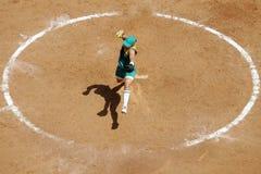 01垒球妇女 免版税库存图片