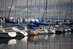 01条靠码头的游艇 库存图片