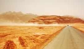 01片沙漠乔丹徒步旅行队 库存照片
