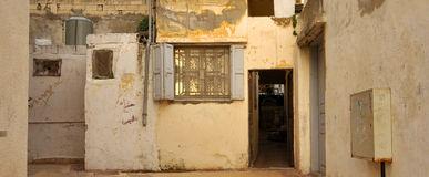01 gammala hus Arkivfoton