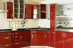 02个机柜深门厨房现代红色 库存照片