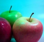02个苹果红色 免版税库存图片