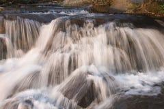02在tahoe瀑布附近的湖 免版税库存图片