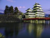 02座城堡日本马塔莫罗斯微明 免版税库存图片