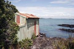 02 łodzi wyspy rangitoto szopa fotografia stock