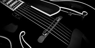 02 archtop czarny gitara Fotografia Royalty Free