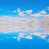 02 błękit reflextion niebo Zdjęcie Royalty Free