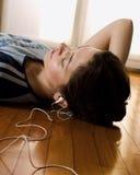 02 słuchał muzyki Fotografia Royalty Free