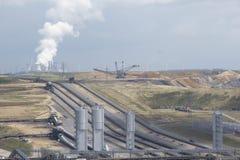 05褐色转换开放的煤矿开采 免版税库存照片