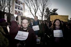 06 arcore 2011 demonstracj Luty trzymający Fotografia Royalty Free