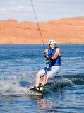07个湖wakeboarding人的powell 免版税库存照片